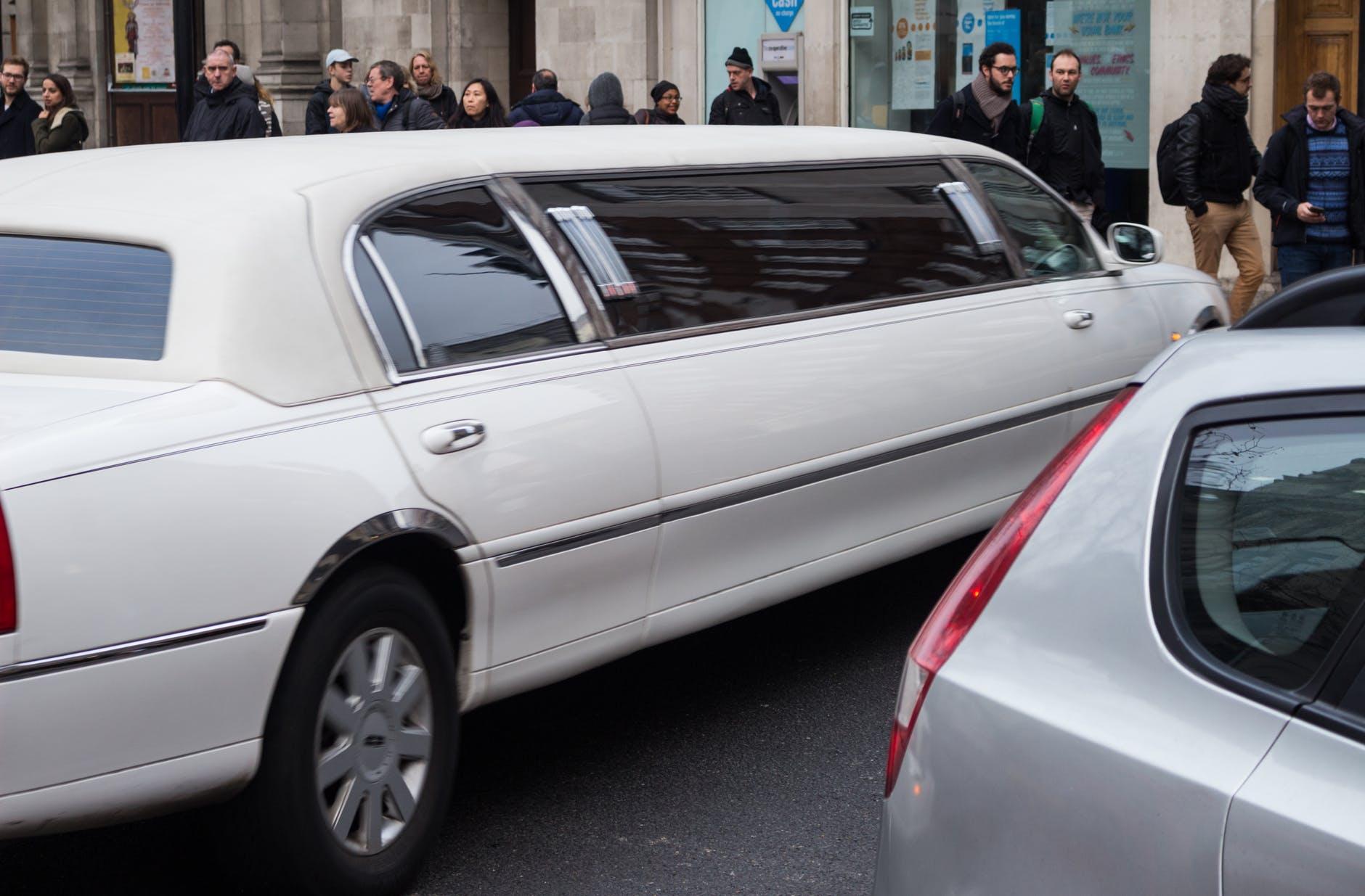 Boka en limousine till festen